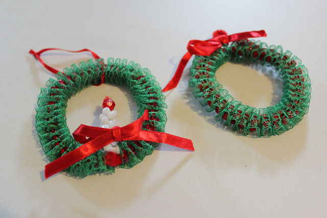 Lace Wreath Pipe Cleaner Ornaments
