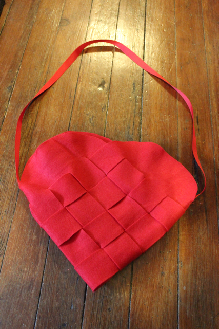 How-to: Swedish Heart Purse
