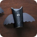 How-to: Bat Toilet Paper Tube Place Cards | HandsOccupied.com for blog.goodsmiths.com