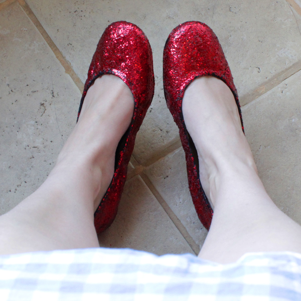 How-to: DIY Ruby Slippers | HandsOccupied.com