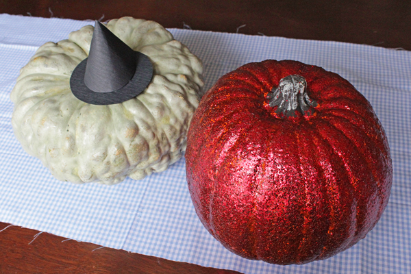How-to: Wizard of Oz Concept Pumpkins | HandsOccupied.com