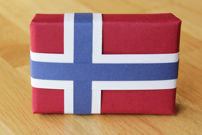 How-to: Scandinavian Flag Wrapping Paper | HandsOccupied.com