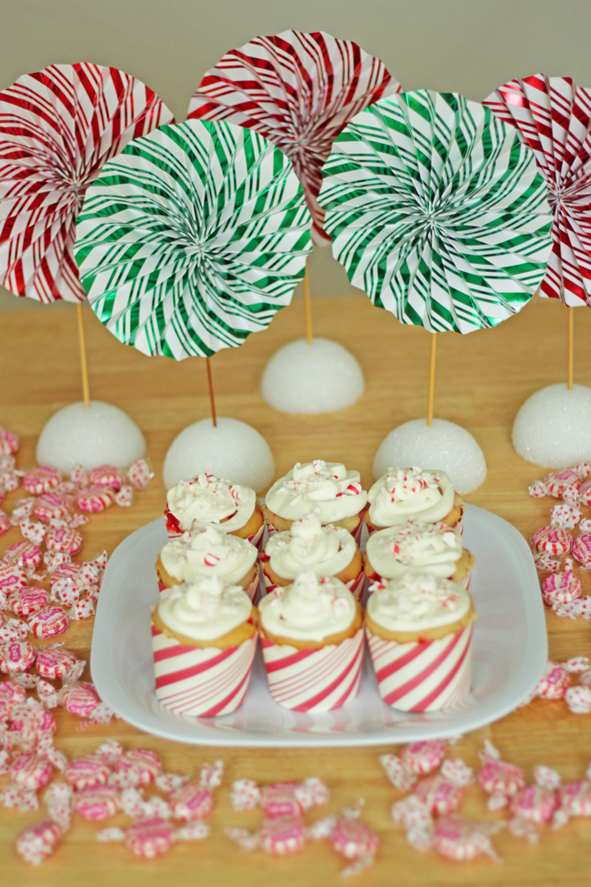 Peppermint Schnapps Swirl Cupcakes | HandsOccupied.com