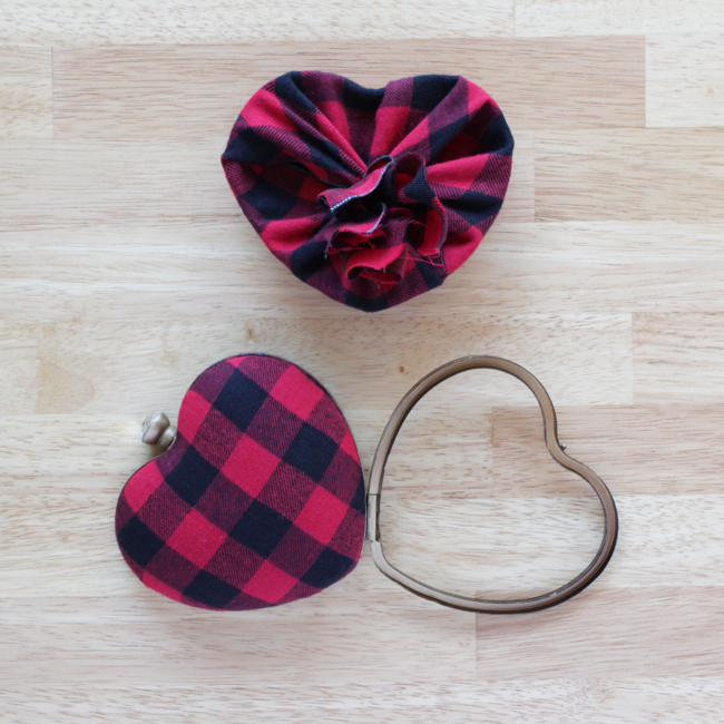 How-to: Punk Rock Valentine's Clutch | HandsOccupied.com