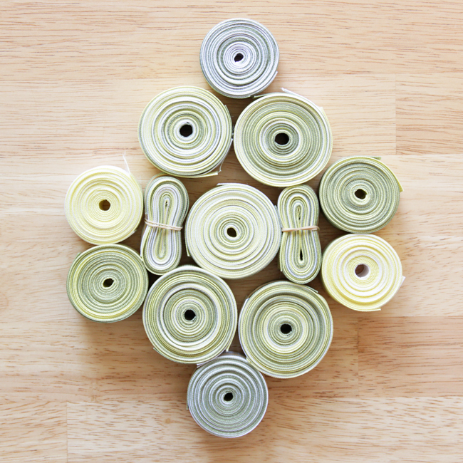 How-to: Recycled Ribbon Trivet at HandsOccupied.com