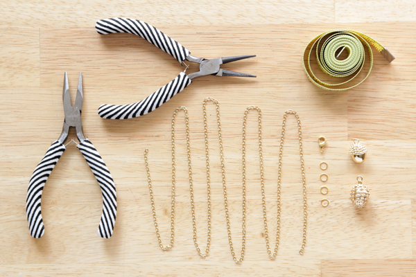 How-to: Autumnal Necklace | Hands Occupied