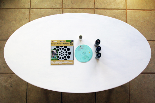 Stenciled Coffee Table Makeover
