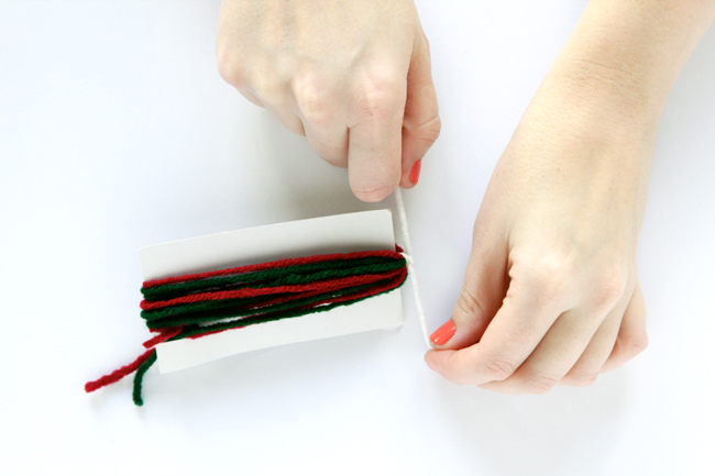 How to Make a Yarn Tassel | HandsOccupied.com