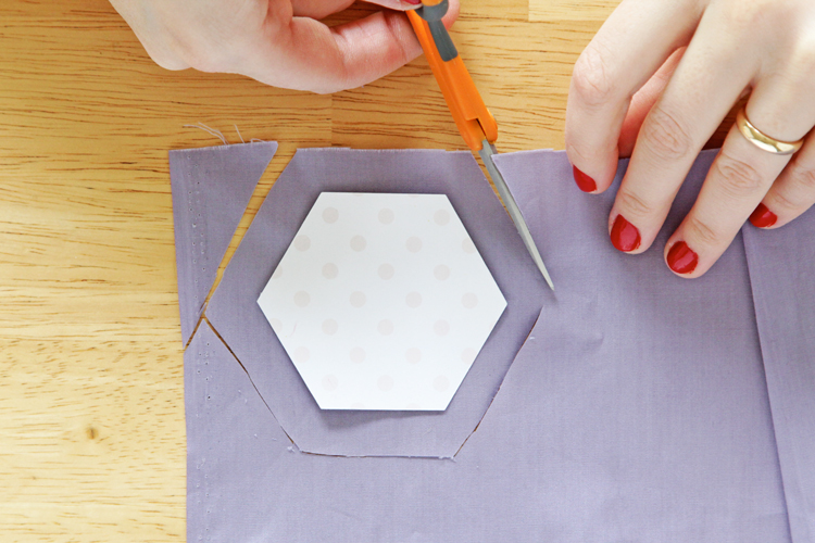How to do English paper piecing -  an easy and portable quilting method