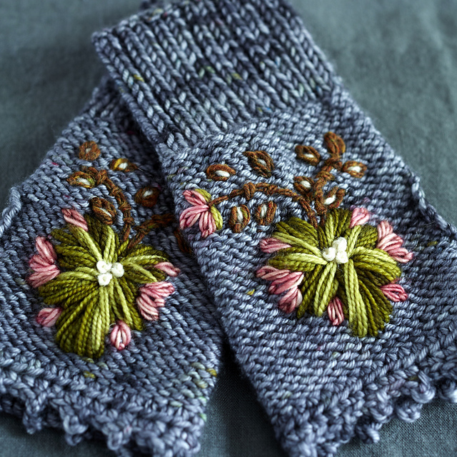 Rosemaling Mitts by Dottie Angel