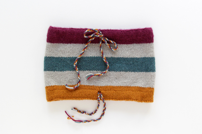 The Quinque Cowl, a new pattern from Hands Occupied.
