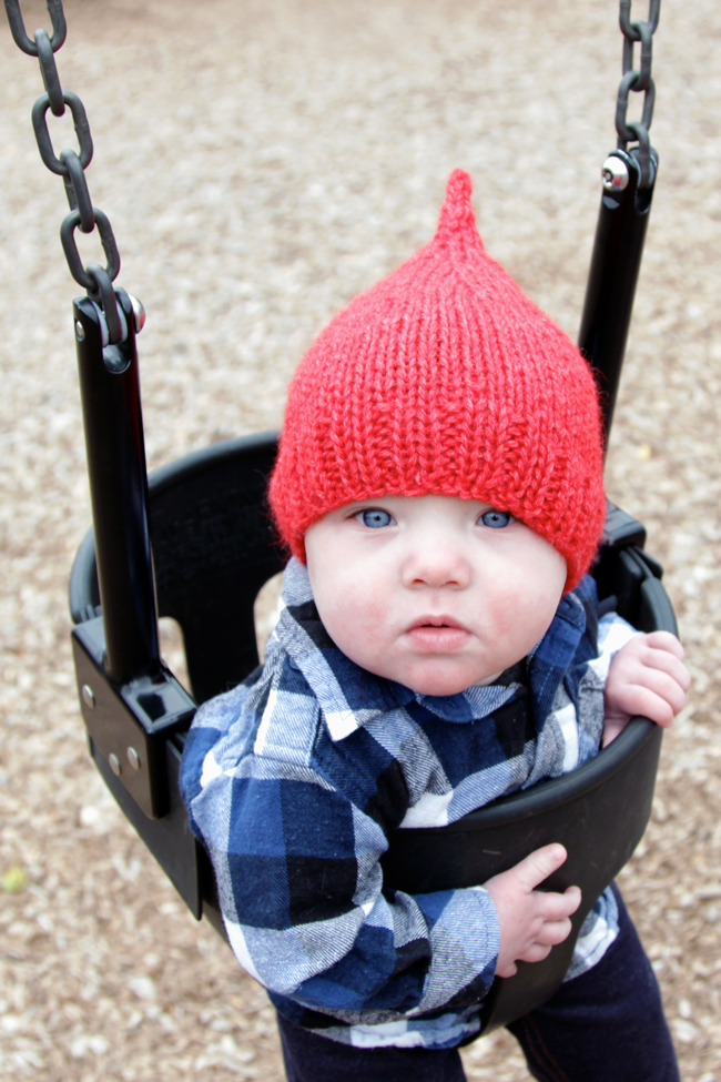 A free pattern for the Declan Hat, available in preemie & infant sizes.