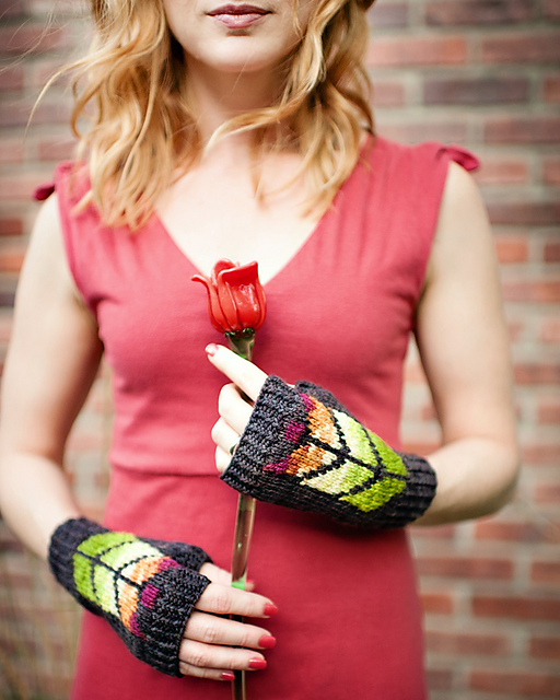 Prairie Glass Mitts by Carina Spencer