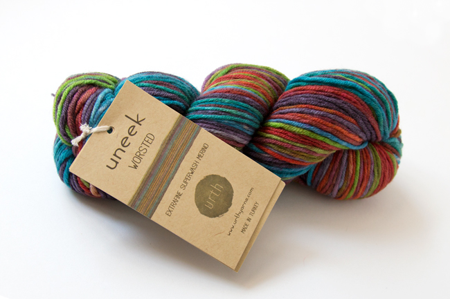 Urth's Uneek Worsted yarn is a funky and vibrant yarn ideal for color lovers. This self-striping beauty lends itself to so many fun knit & crochet projects!