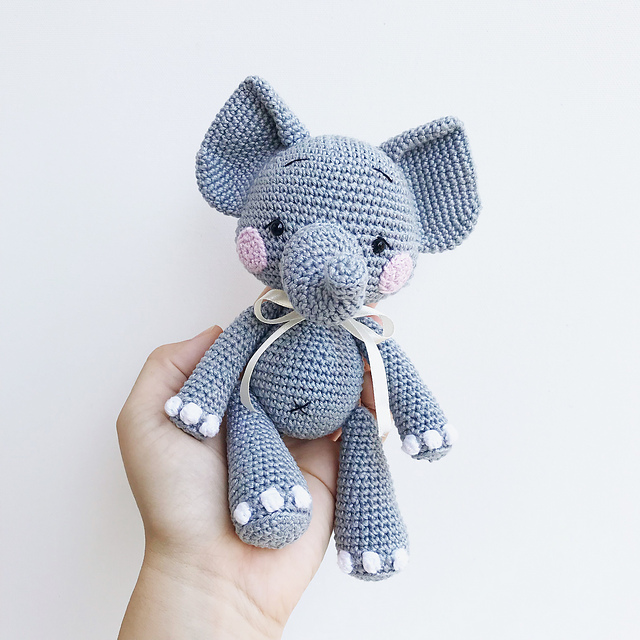 Cloudy the little Elephant by Elif Tekten