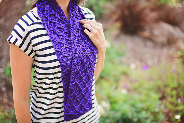 Garden City Scarf by Debbie Richardson