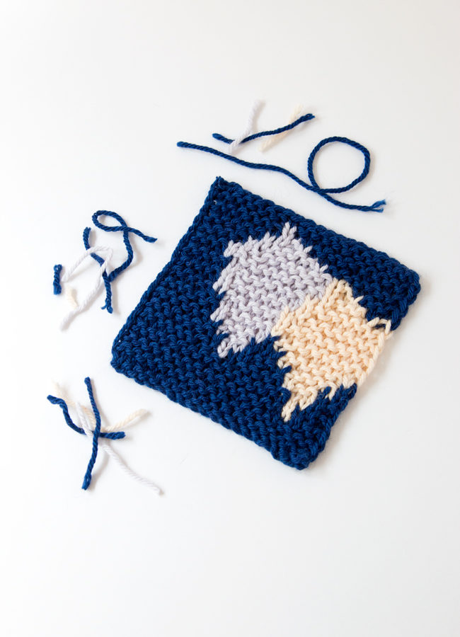 Learn how to knit intarsia patterns without using bobbins or butterflies, and check out the case for disorganized intarsia knitting with two great video tutorials.