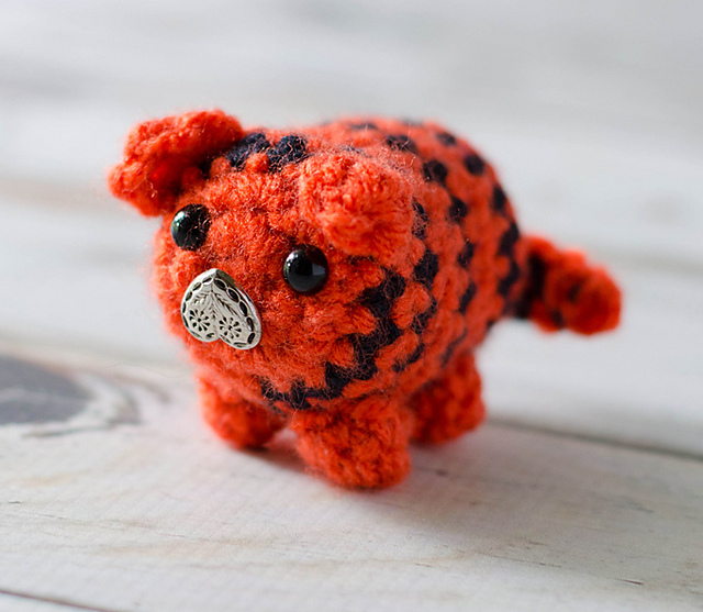 Tiger Bitty Bumble by Crochet 365 Knit Too