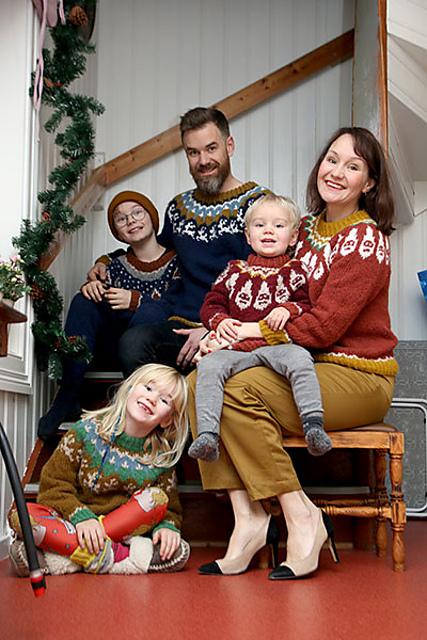 Beyond X-mas Sweater / Mer enn julegenser by Anna & Heidi Pickles