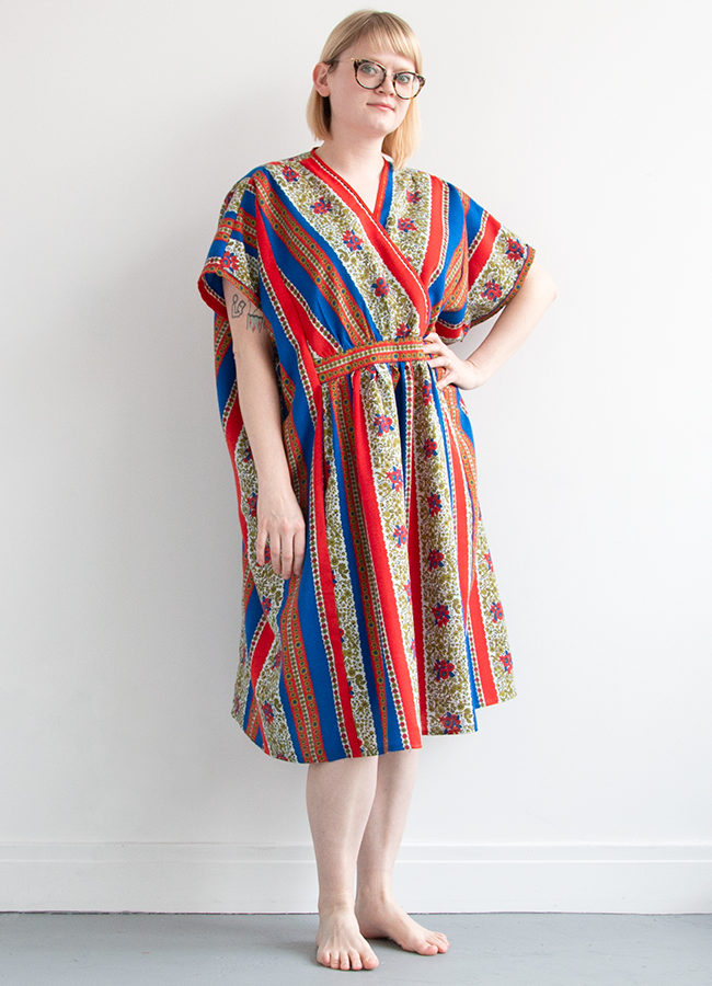 Handmade Wardrobe: The TLC Caftan from Decades of Style. Is this pattern right for you? Read about easy moments, challenging moments, and lessons learned in the process of sewing this advanced beginner-friendly pattern.