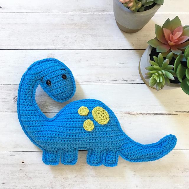 Brian the Brachiosaurus by Spin a Yarn Crochet